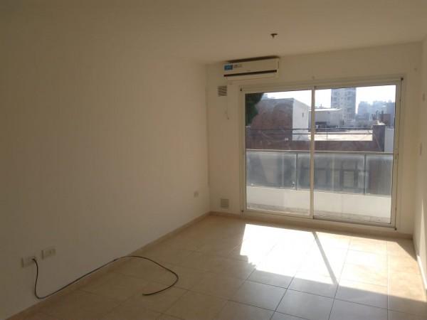 Venta monoambiente, externo, balcon. Mendoza 2515