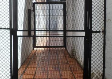 MB Negocios Inmobiliarios vende dpto pasillo monoambiente pb, excelente ubicacion